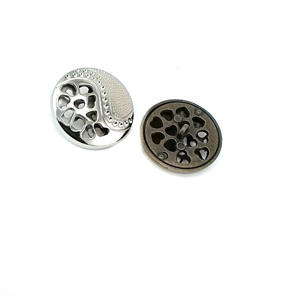 Patterned large size 30 mm metal button E 1527