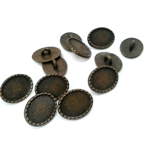 Oval Button with Dotted Edges 21mm x 16mm E 479