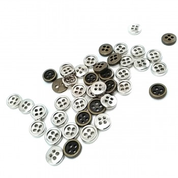 9 mm Square Button with Four Holes E 1324