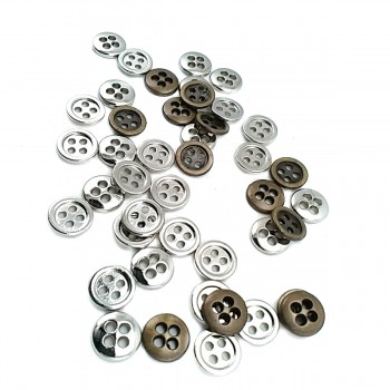 7 mm Button with Four Holes E 1260